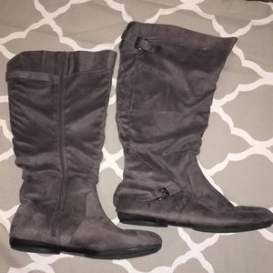 Shoes - Women's 13W Boots Gray